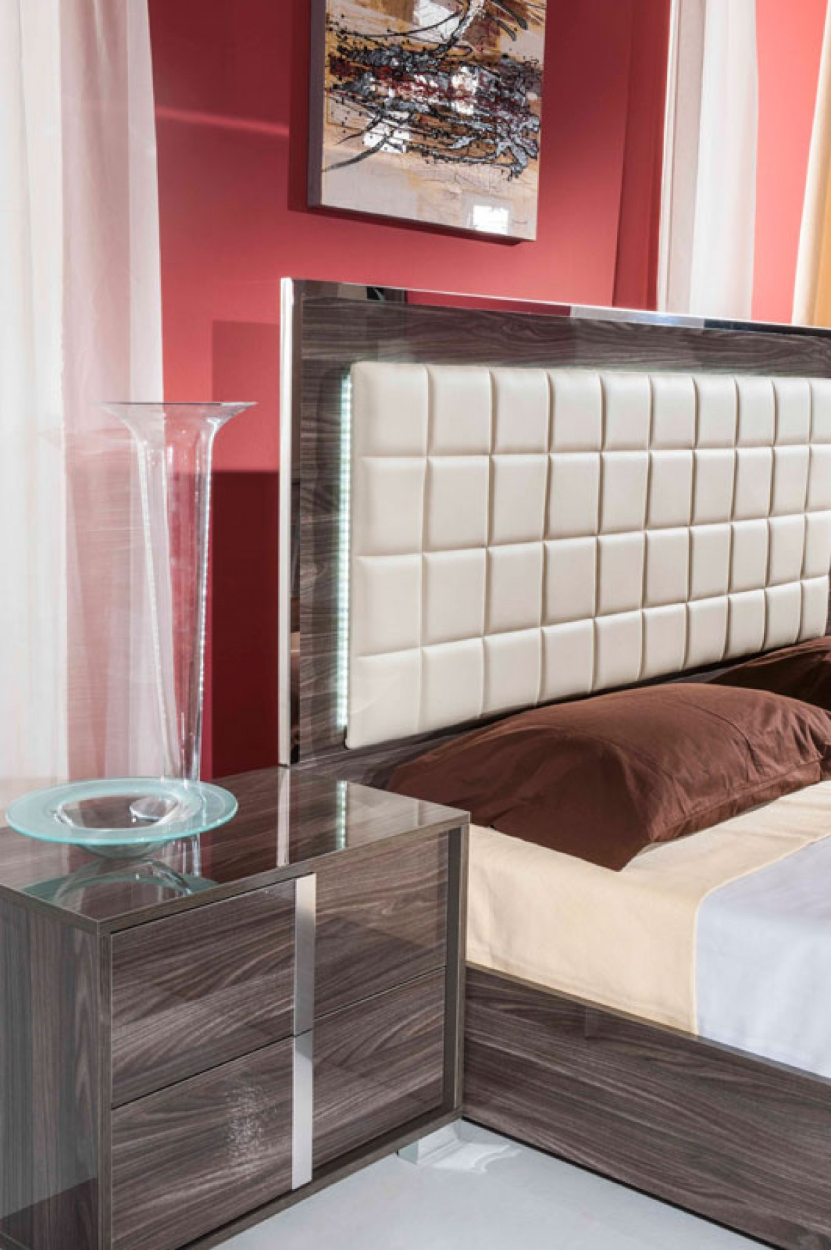 san-francisco-bedroom-set-life-image.jpg