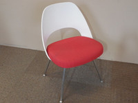 Knoll Saarinen Guest Chair, Red White