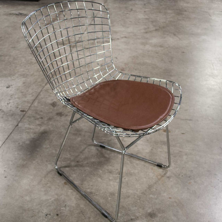 Woodstock Who Series Metal Wire Frame Guest Chair