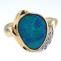 14kt Yellow Gold Opal Diamond Ring