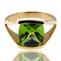 Peridot Ring in 14kt Yellow Gold