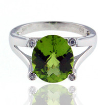 14kt Yellow Gold Peridot Ring with Diamonds EGR9203