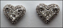 18kt Diamond Heart Earrings