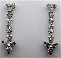 18kt Dangling White Gold Diamond Earrings