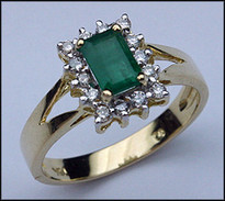 .61ct Emerald Gemstone Ring with 14 Diamonds