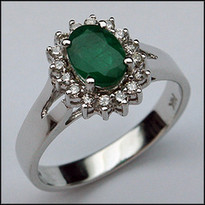 .82ct Oval Emerald Gemstone Ring with 16 Diamonds