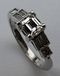 18kt Engagement Ring with 1.04ct Diamonds