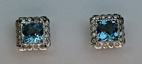 14kt Gold Blue Topaz Earring with Diamonds E395