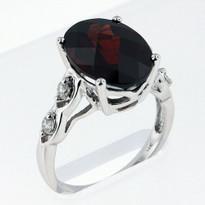 Ring .20ct Garnet and Diamond Ring