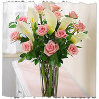 12 Pink Roses And Calla Lily Bunch