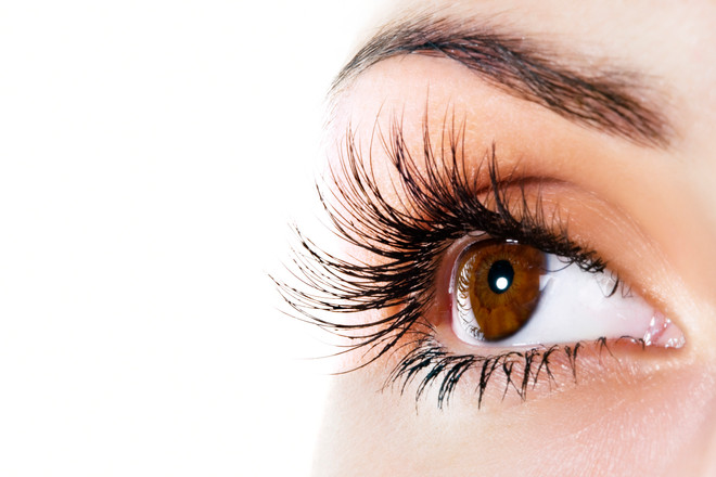 Tips for Keeping Your Eyes & Eyelashes Looking Healthy
