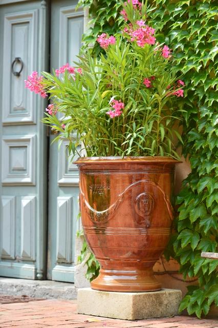 la madeleine anduze pottery james anthony collection. Black Bedroom Furniture Sets. Home Design Ideas