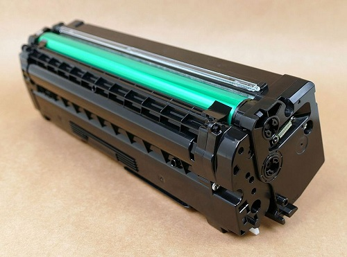 replacing toner cartridges