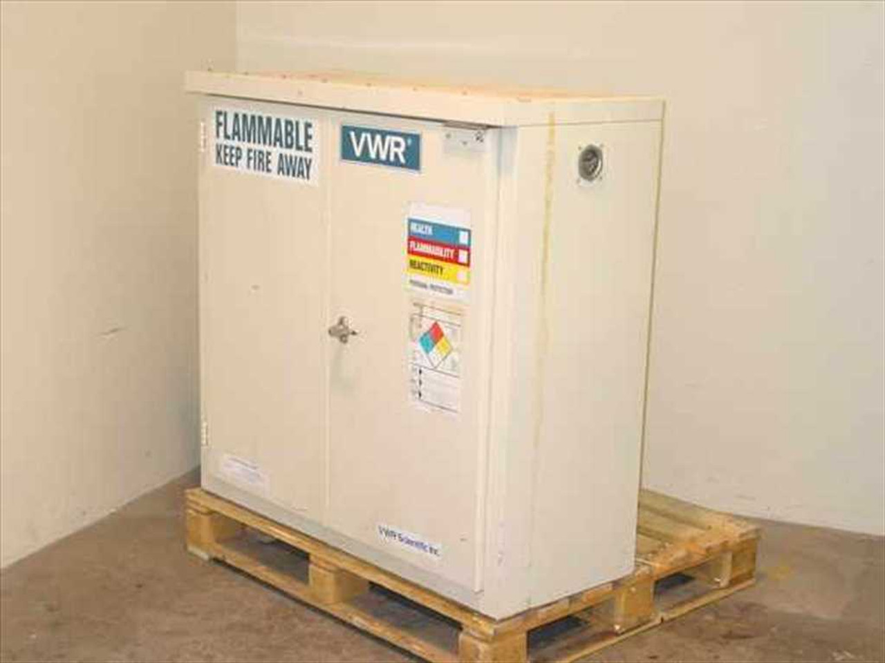 Sheldon 1030SD Solvent Storage Cabinet   30 Gallon