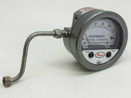 Dwyer 605-0 Magnehelic Indicating Transmitter Max. Pressure 25 PSIG (170 kPa)