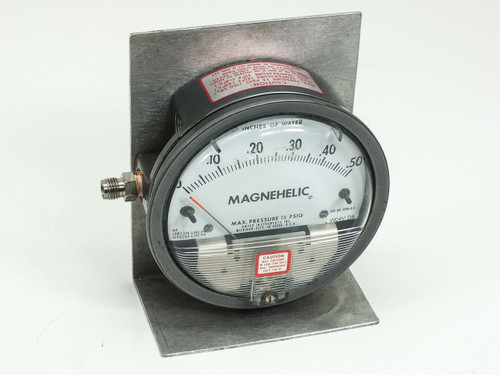 "Dwyer 15 PSIG Magnehelic Pressure Gauge 0-.50"" Water on metal Bracket (2000-0 C)"