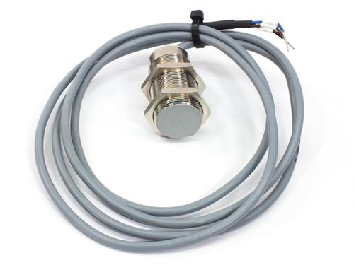 Baumer Electric IWRM 30U9501  Inductive Proximity Sensor 0-10mm 15-30 VDC 30mm D