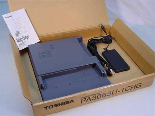 Toshiba PA3063U-1CHG  Battery Charger Toshiba Tecra 8200 w/PA3049U