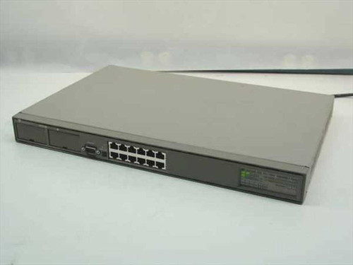 Bay Networks 101 10BASE-T Hub with 12 RJ-45 ports CG1001x01
