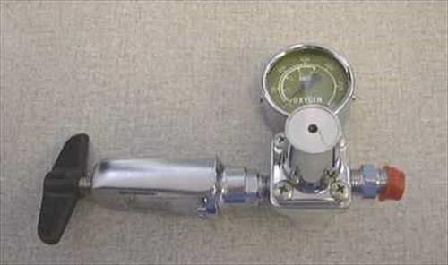 CIG Single Stage Mini 0xygen Regulator w/yoke 25-002