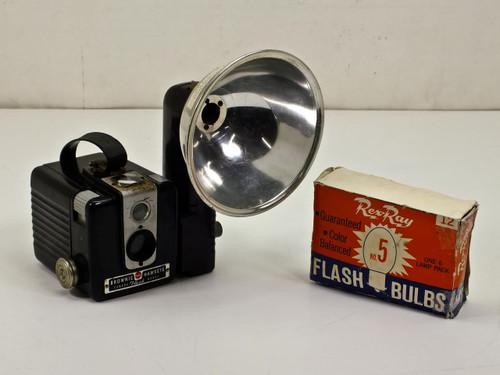 Kodak Brownie  Hawkeye Camera and Flash Bulbs