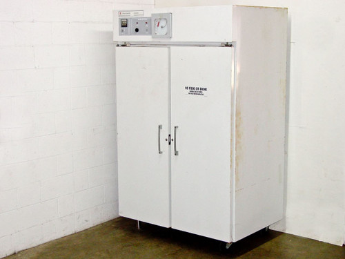 Fisher Scientific 13-988-350F-4  IsoTemp Laboratory Freezer -20 2 Door