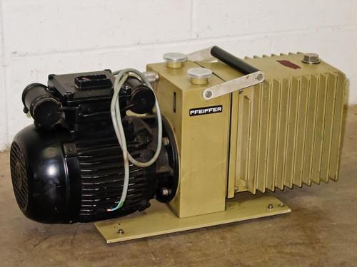 Pfeiffers Duo 012A  Dual Stage Rotary Vane Vacuum Pump - Balzers