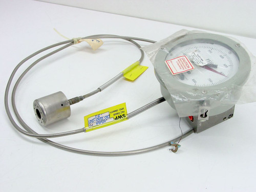 ITT Barton D4-224E005 REV. F  0-800 PSI Differential Pressure Indicator