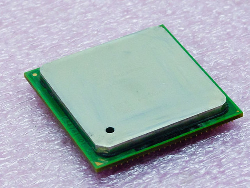 Intel SL79L  Pentium 4 Processor 3E GHz - RK80546PG0801M