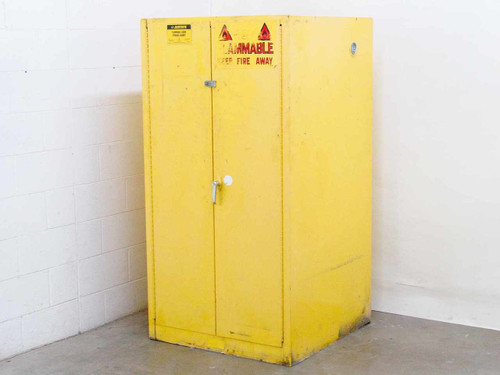 Justrite 25600  Flammable Liquid Storage Cabinet 60 Gallon, 227 Liter