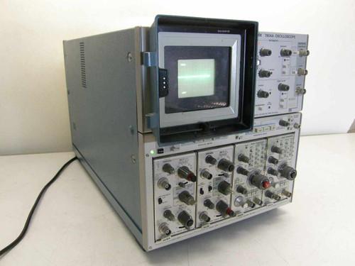 Tektronix 7904A  500 MHz Oscilloscope w/ 7A18A, 7A26, 7B53A, 7B92A