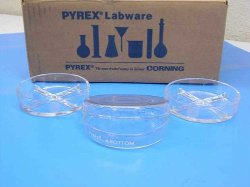 Pyrex 3160-101  Lot of Glass Petri/Culture Dishes and Covers