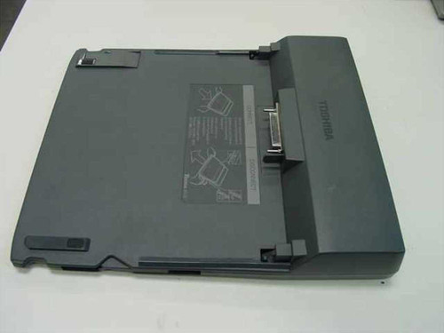 Toshiba PC Card Port Replicator Tecra 8100 (PA3028U-1PRP)