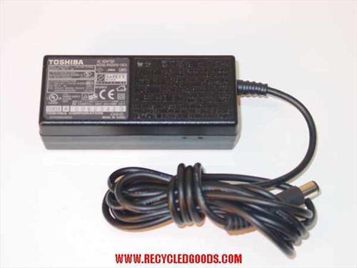 Toshiba AC Adaptor 15VDC 3A Barrel Plug (PA3241U-1ACA)