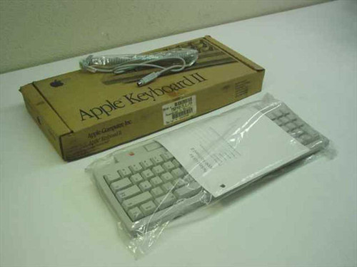 Apple M0487  Apple Keyboard II in Original Box