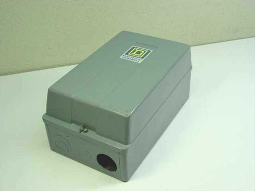 Square D 31063-409-38  Magnetic Starter with Enclosure