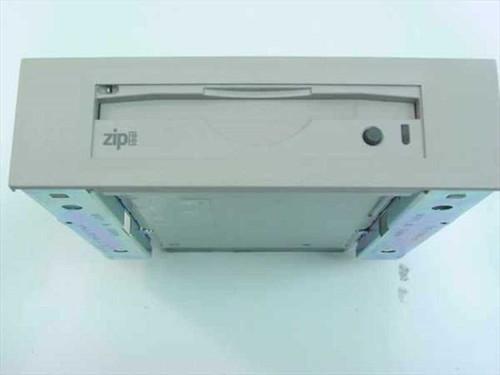 Compaq  Z100ATAPI  Zip 100 Drive Internal IDE Iomega 270946-001