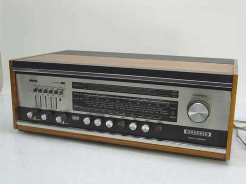 Grundig Stereomeister 3000  Vintage Tube-Type Radio