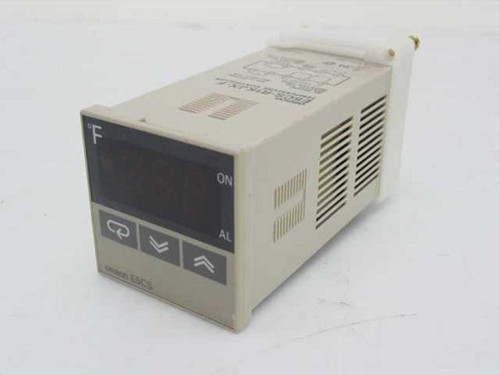 Omron E5CS-R1KJX-F  Digital Temperature Controller