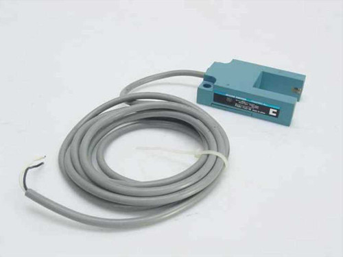 Micro Switch FE8V-TU2-M  Photoelectric Vane Sensor - As Is
