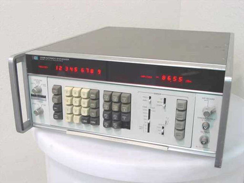HP 3330B  Automatic Synthesizer 0.1 Hz to 13 MHz