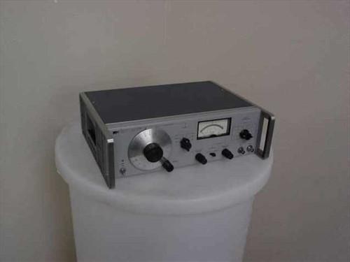 HP 652A  Test Oscillator w/ Meter 10Hz - 10MHz