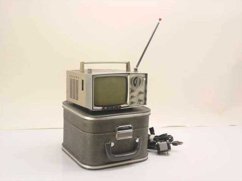 Sony 5-303W  Portable B/W Transistor TV Receiver in Case