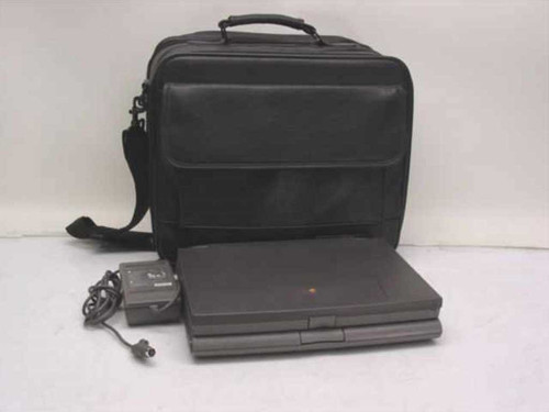 Apple M4880  Powerbook 520 Laptop in Case