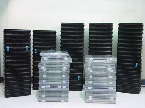 Plastic Wafer Holder  Lot of 100 Semiconductor Wafer Boxes - Plastic