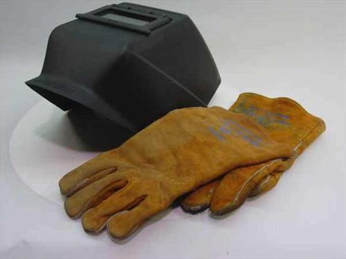 Jackson HSL-2  Welding Helmet and Gloves in box