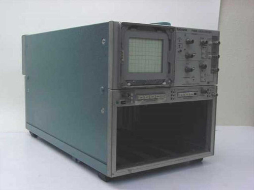 Tektronix 7104  1 Ghz Oscilloscope - Looks Rough but Partially Wor