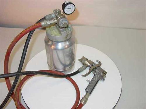 Binks 2001/80-228  Conventional Pressure Feed Spray Gun w/Container