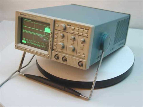 Tektronix TDS320  Dual Channel 100 Mhz Digitizing Oscilloscope