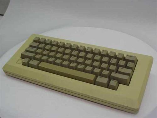 Apple M0110  Apple Keyboard